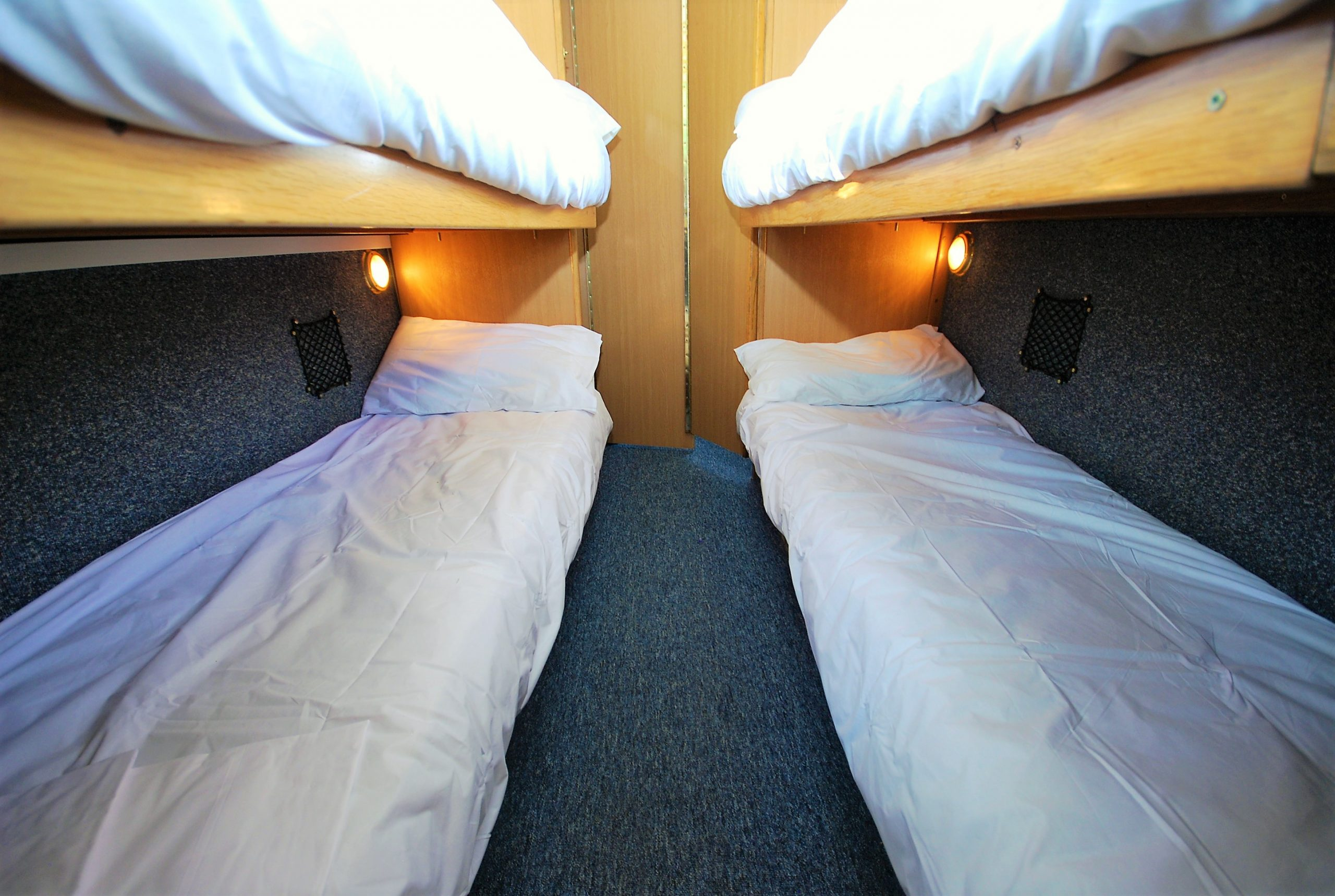bunk cabin lower bunks