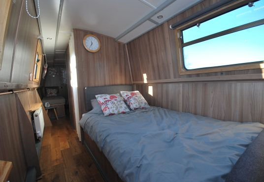 Aramanda - 60ft Cruiser Stern - Suitable liveaboard or continuous cruiser narrowboat 9
