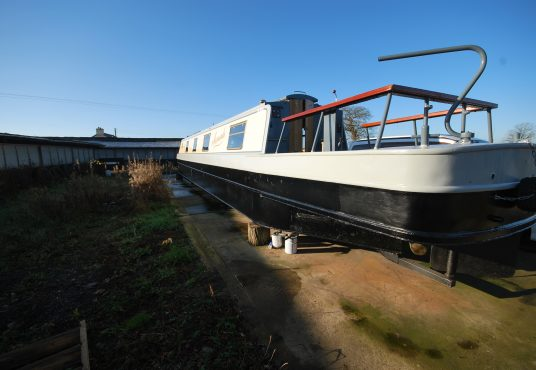 Aramanda - 60ft Cruiser Stern - Suitable liveaboard or continuous cruiser narrowboat 14
