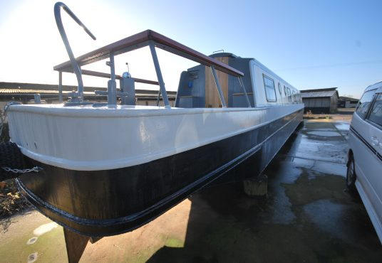Aramanda - 60ft Cruiser Stern - Suitable liveaboard or continuous cruiser narrowboat 19