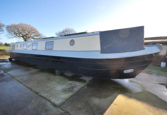 Aramanda - 60ft Cruiser Stern - Suitable liveaboard or continuous cruiser narrowboat 20