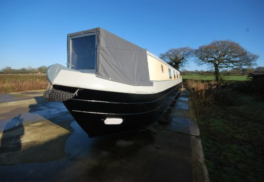 Aramanda - 60ft Cruiser Stern - Suitable liveaboard or continuous cruiser narrowboat 22